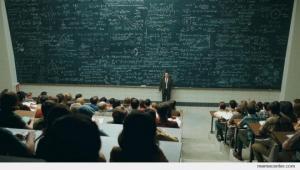 ერთხელ ერთმა ჭკვიანმა პროფესორმა, უნივერსიტეტში ერთ-ერთ სტუდენტს შეკითხვა დაუსვა