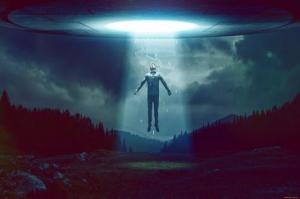 """ვიდეო"""" დიდ ბრიტანეთში უცხოპლანეტელების მიერ ადამიანის მოტაცება დააფიქსირეს"""