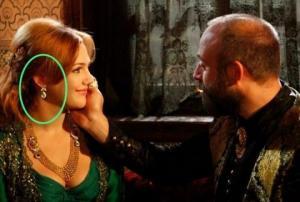 """8 უზუსტობა, რომელიც  სერიალ """"დიდებულ საუკუნეს""""  სულ სხვა თვალით  დაგანახებთ"""