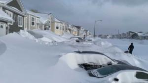 ვიდეო: რეკორდული თოვლი კანადაში- ხალხი სამი მეტრი თოვლის გამო გარეთ ვერ გამოდის