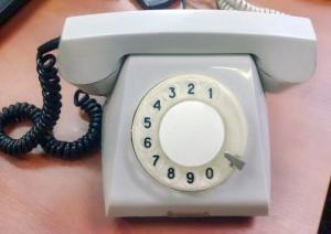 გავიხსენოთ ტელეფონები,რომლებიც ჩვენს ოჯახებში იდგა გასული საუკუნის 70-იან 80-იან წლებში