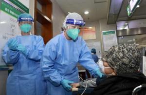 ჩინელი მედდა კორონავირუსისგან განკურნების შემდეგ სამუშაოს დაუბრუნდა