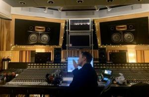ამერიკელმა მილიარდელმა ილონ მასკმა საცეკვაო კომპოზიციის ტექსტი დაწერა და სიმღერაც ჩაწერა, კომპოზიციის სახელია «Don't Doubt ur Vibe»