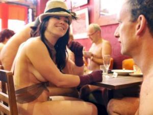 შვეიცარიაში პირველი ნუდისტური რესტორანი გაიხსნა