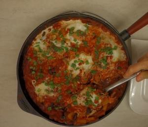 კვერცხი მექსიკურად წითელი ლობიოთი: ნოყიერი კერძი ხორცის გარეშე