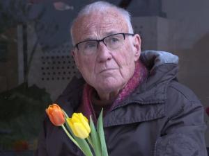ყოფილი მღვდელი 85 წლის ასაკში პორნოვარსკვლავი გახდა