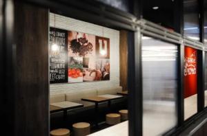 თბილისში KFC-ის ორი ახალი, განსხვავებული კონცეფციის რესტორანი გაიხსნა