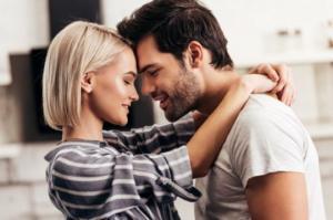 7 რამ, რასაც ბედნიერი წყვილები სოციალურ ქსელში არ აკეთებენ