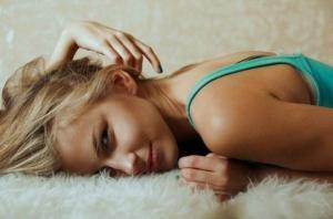 10 უცნაური რამ, რაც მამაკაცებს ქალში მოსწონთ