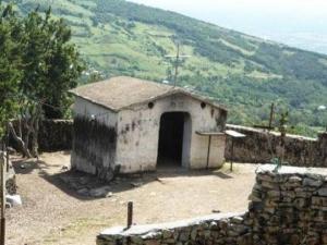 ერთადერთი სალოცავი საქართველოში, რომელსაც კარი არ აქვს - ლეგენდა წმინდა გიორგის სახელობის ტაძარზე