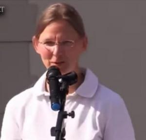 """ვიდეო: -"""" არავის აქვს უფლება დააზიანოს ჩვენი და ჩვენი შვილების სხეული საეჭვო ვაქცინით..""""- გერმანელი ექიმი"""