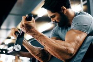 მამაკაცის სხეულის რომელი კუნთი იპყრობს ქალების ყურადღებას: გამოკითხვის შედეგები