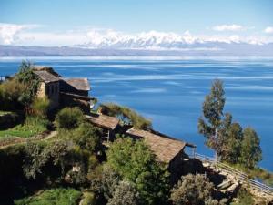 ტიტიკაკა-ყველაზე მაღლა მდებარე ტბა