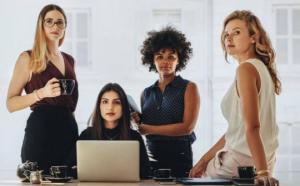 15 ყველაზე საინტერესო ფაქტი გოგონების და ქალების შესახებ