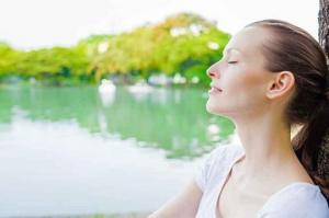 თუ სწრაფად დამშვიდება გსურთ, სახე ან ზურგი დაინამეთ: ფსიქოლოგის რჩევები