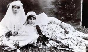 «1001 ღამე» ირანულად –  ფოტომოყვარული შაჰი და ჰარემში გადაღებული სურათები