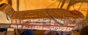 ეგვიპტეში 2500 წლის წინანდელი 14 ხელშეუხებელი სარკოფაგი აღმოაჩინეს