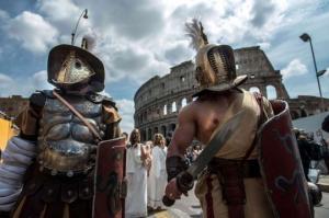 ბრძოლა მეგობრებს - ვერუსსა და პრისკუსს შორის: როგორ წარიმართა ისტორიაში ერთადერთი დეტალურად აღწერილი  გლადიატორული ბრძოლა