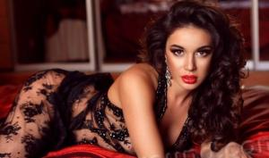 10 ფოტო, რომელიც დაგარწმუნებთ კავკასიელი ქალის განსაკუთრებულ სილამაზეში