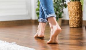 რატომ არის მნიშვნელოვანი ჩუსტების ტარება და რატომ არ შეიძლება იატაკზე ფეხშიშველი ან წინდებით სიარული