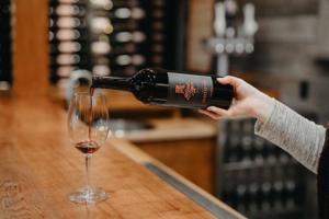 პრაქტიკული რჩევები: როგორ შევინახოთ ღვინო?