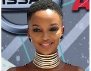 სამხრეთ აფრიკელი ქალები, რომლებიც ნებისმიერ მამაკაცს სიტყვის ამოუღებლად მოაბრუნებენ უკან
