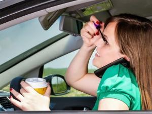 ქალი და მანქანა – ძალიან სახალისო ფოტოები და გიფები (ნაწილი 2)