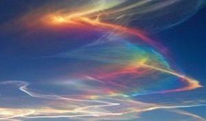 """რა იწვევს  ღრუბლების ფერადი ალით  """"აფეთქებას""""    - ცეცხლოვანი ცისარტყელები"""