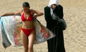 """""""არაბული რეალიები"""": მუსლიმი ქალების  აუტანელი ყოფა  ზორა ბენსემრას  ნამუშევრებში"""