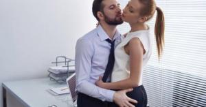 ბრიტანელ დასაქმებულთა 20 %-ს საშობაოდ ოფისში სექსი ჰქონდა
