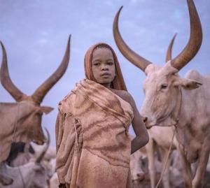 იტალიელი ფოტოგრაფი აჩვენებს, თუ როგორ გამოიყურება ბავშვობა მსოფლიოს სხვადასხვა კუთხეში