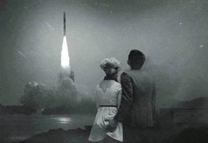 პირველმა ამერიკელი კოსმონავტმა, ნილ ამსტრონგმა. როდესაც ფეხი დადგა მთვარეზე თქვა