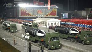 """ჩრდილოეთ კორეამ """"მსოფლიოში ყველაზე მძლავრი რაკეტა""""აჩვენა"""