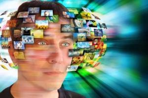 რეალობა, რომელსაც ვხედავთ და აღვიქვამთ,  მედიის მიერ დადგმული რეალობაა