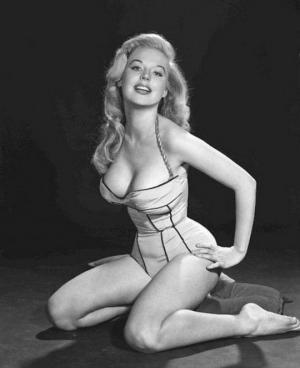 1950-იანი წლების სექს-სიმბოლო, რომელსაც ყველა მამაკაცი ჭკუიდან გადაჰყავდა