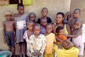 უგანდელ ქალს რომელსაც 44 შვილი ჰყავს, როგორც აღმოჩნდა შვილები ამ რაოდენობით უიშვიათესი დაავადების გამო გაუჩნდა