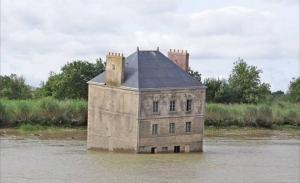 სახლი მდინარეში (საფრანგეთი)