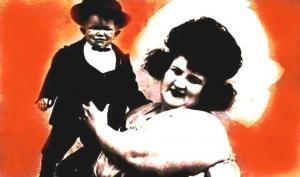 გაიცანით ყველაზე დიდი ქალი და ყველაზე პატარა კაცი მსოფლიოში (1922 წელი, ივლისი)