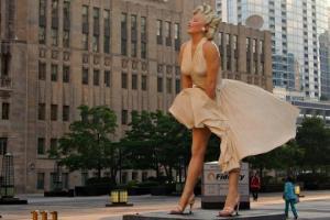 ვიდეო: რატომ უნდა დაანგრიონ მერილინ მონროს რვამეტრიანი ქანდაკება ამერიკაში?