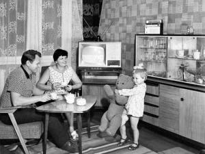რატომ დაიწყო მსოფლიოს მოსახლეობამ გაღარიბება  საბჭოთა კავშირის დაშლის შემდეგ