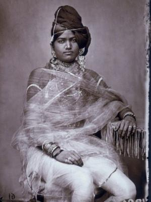 XIX საუკუნის ინდოეთის მაჰარაჯას ჰარემში გადაღებული საკოლექციო ფოტოსურათები