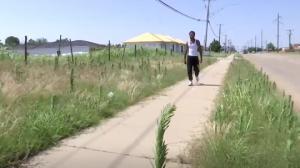 მზარეულს, რომელიც სამუშაოზე ფეხით 26 კმ-ს დადიოდა,უცხო პირება 49 ათასი დოლარი შეუგროვეს