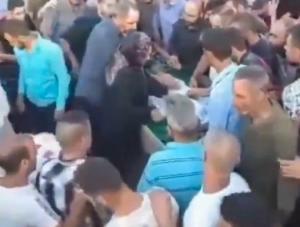 ლიბანში მამაკაცი დაკრძალვის დროს კუბოში გაცოცხლდა(ვიდეო)