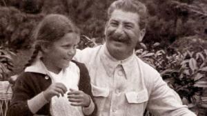 სვეტლანა ალილუევა: რატომ გაიქცა სინამდვილეში სტალინის ქალიშვილი აშშ -ში