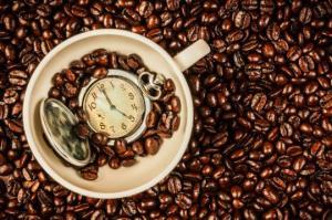 ყავას შეუძლია ადამიანის ბიოლოგიური საათი უკან გადასწიოს – ამერიკელი და ბრიტანელი მეცნიერების დასკვნა