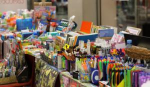 """დღეიდან სავაჭრო და ბიზნეს ცენტრ """"ქარვასლა''- ში სასკოლო ნივთების გამოფენა - გაყიდვა გაიმართება"""