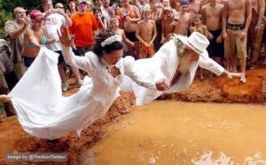 აბა განიტვირთეთ- ყველაზე უჩვეულო, საინტერესო და სასაცილო საქორწილო ფოტოები მთელი მსოფლიოდან