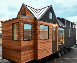 პატარა სახლი სამი საძინებლით, რომლის ფარათი სულ რაღაც 28 კვ. მ.–ია
