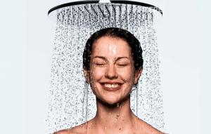 რატომ არის უკეთესი შხაპის მიღება საღამოს და არა დილით?