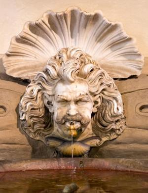 წყალი და ქვა: იტალიის ქალაქების ფანტანები, საიდანაც წლის დალევა შეიძლება